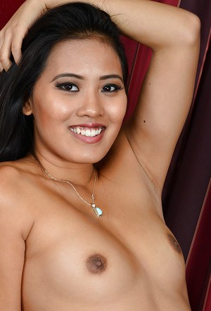 Amateur Asian babe Addison Avery poses hot and undress well!