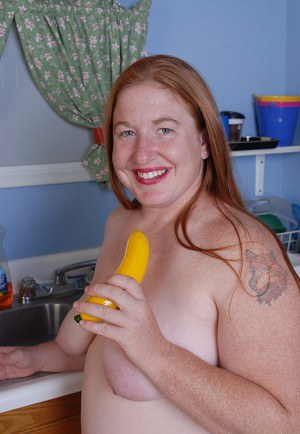 Playful fatty mature Keno is sucking her cute-looking yellow dildo