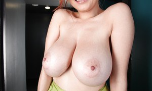 Hot redhead bitch Tessa Fowler is smiling and showing her ass