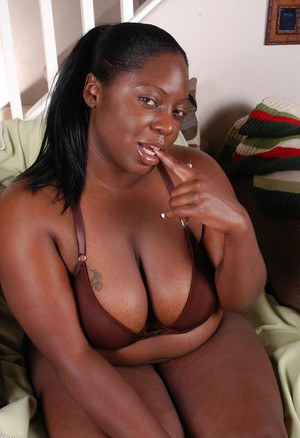 Fatty ebony Dynasty demonstrates her stunning big boobies on cam