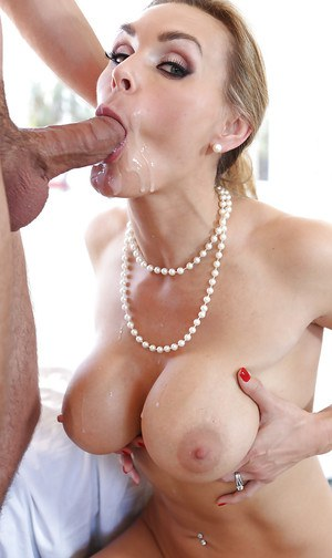 Glamorous blonde Tanya Tate was screwed in her tight wet vagina