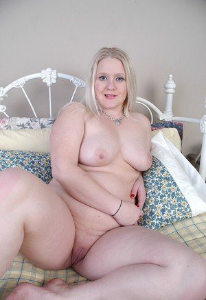 Awesome chubby blonde Samantha demonstrates her amazing big tits