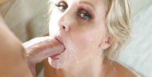 Big-tit mature Julia Ann gives head with hardcore passion!