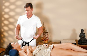 Beauty brunette Paisley Parker is being drilled by her lovely masseur