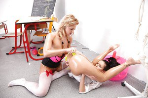 Sweet chicks Nathaly Cherie and Gina Devine fucks with their dildos