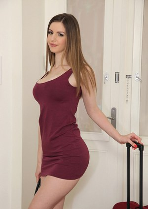 Spicy as fuck innocent babe Stella Cox demonstrates her shape