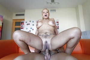 Tattooed hardcore mature Alexa Blun gets fucked in her mouth