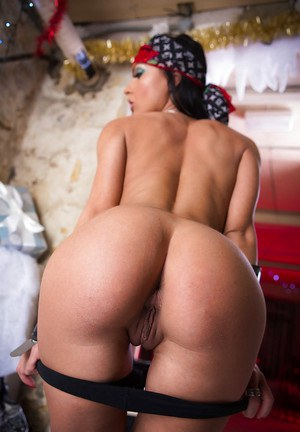 Sweetest Latina babe Honey Demon poses with naked boobies