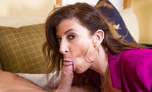 Sexy milf Sara Jay, a hot cougar enjoying the cum in mouth in the reality show