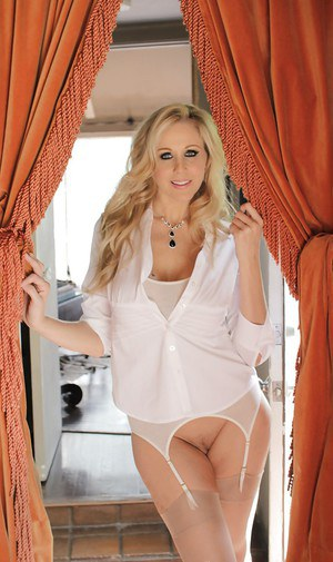 Frisky mature babe in high-heels Julia Ann gets really wet in the end
