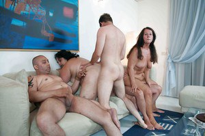 Old amateur ladies Gusti Tschopp and Tinny Rados take part in groupsex