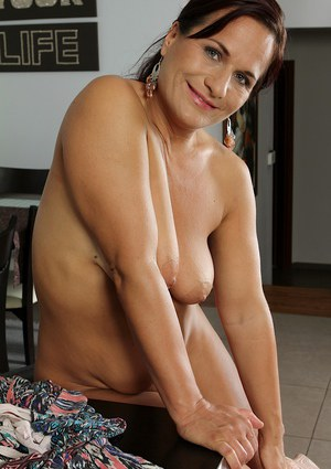 Mature BWW Katherine Ross desires to get a lot of attention now