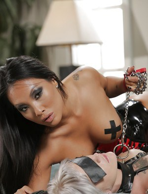 Lusty obsessed fetish babe Asa Akira gets reamed by Kleio Valentien