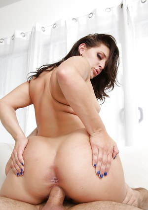 Pornstar Gracie Glam likes her anal sex rough, hard and deep