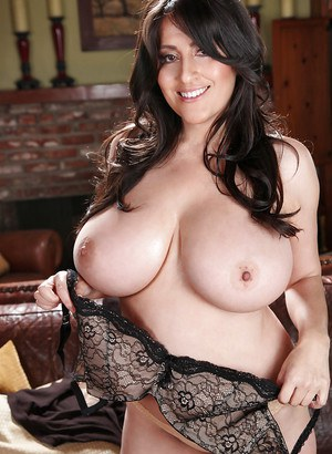 You can never get enough of babe Antonella Kahllo's magnificent tits