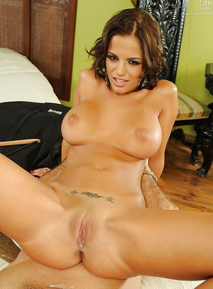 Latina Milf Cindy Hope in a hardcore gonzo porn scene riding cowgirl