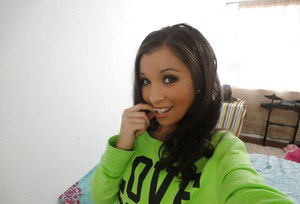 New self shot picture gallery compliments of Latina babe Sasha Hall