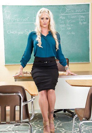Holly Heart is the Milf babe teacher every student dreams of having