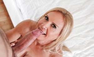 Mature blonde Brooke Tyler gives blowjob and swallows cumshot