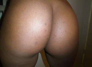 Self-shot session exposes ebony Diana Braset's delicious ass and boobs