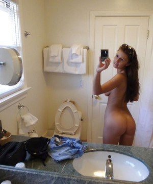Naughty girlfriend Whitney takes pictures of her juicy body by herself