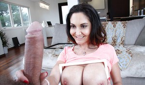 Busty MILF Ava Addams gives wicked titjob and takes cum on big boobs