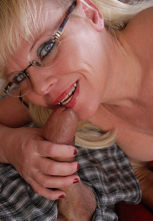Granny in glasses Haley gives a blowjob and swallows cumshot
