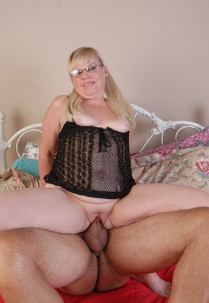 Experienced older dame Haley riding cock and swallowing cum load