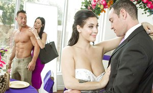 MILF Rachel Roxxx bangs with a large cock and gets jizzed at a wedding