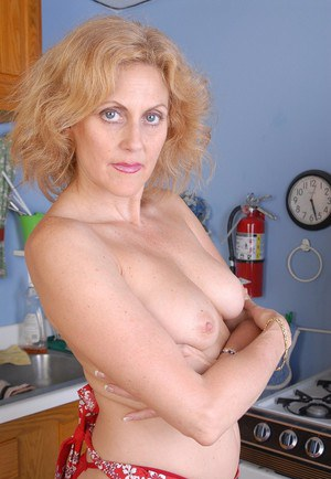 Older lady Dana posing in sexy red pantyhose and masturbating old cunt