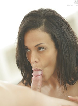 Latina pornstar Layla Sin has her gorgeous cunt lapped before anal sex