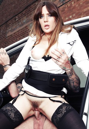Slutty officer Samantha Bentley gets a hardcore pussy slamming outside