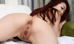 Nice close up shots of first timer Lea Hart spreading her naked cunt