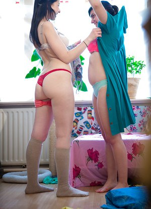 Chubby lesbians Anahi and Carmen M undress and take nude selfies