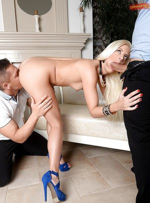 Beautiful blonde babe Jessie Volt taking a hardcore double penetration