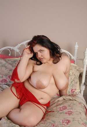 Fat chick Karla poses solo in sexy big beautiful woman lingerie
