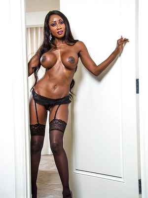 Unbelievable Ebony MILF Diamond Jackson rubbing her cunt in lingerie