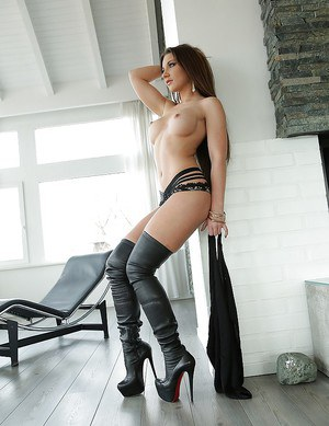 Gorgeous pale babe Julie Skyhigh showing off her shaved pussy in boots