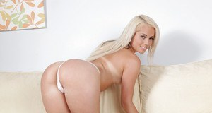 Incredible blonde babe Venus stretching her cunt with a vibrator