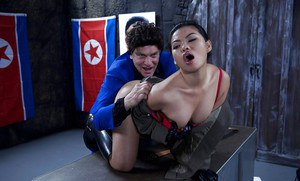 Asian mom Cindy Starfall has her Oriental pussy ate out by white man