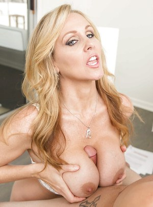Blonde cougar Julia Ann spreads her shaved twat cunt licking by young stud