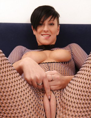 Chesty babe Nicoleta fondles big natural tits and fingers puffy cunt