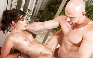 Slutty wife Gia Paige gives her husband a blowjob and eats his jizz