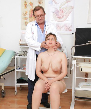 Mature fatty Iva Wild has nude body examined by Gyno doctor