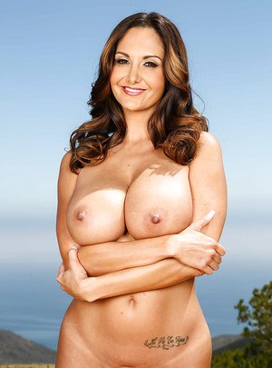 Buxom MILF Ava Addams flaunting her large natural breasts outdoors