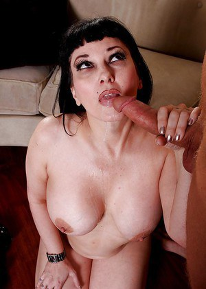 Thick MILF pornstar Carrie Ann giving blowjob and swallowing cum