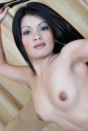 Pretty Asian first timer Keithlene spreading pussy for cervix viewing