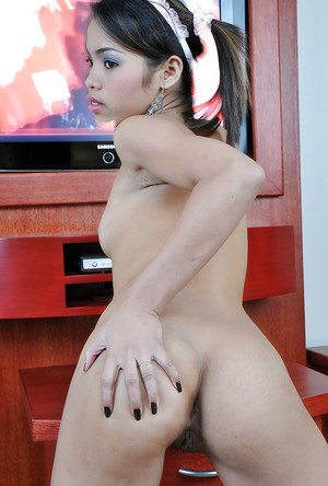 Bubble butt teen Chelle showing off her tiny tits and trimmed pussy