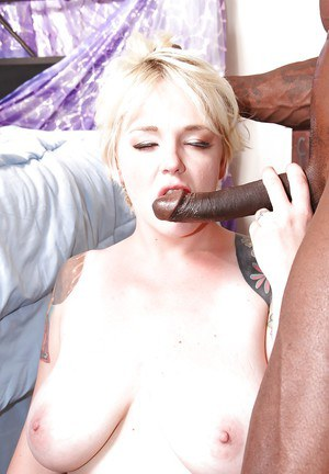 Fatty blonde whore Missy Sex squirting because of a fat black cock