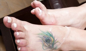 Pale foot fetish amateur Nora Skyy using her feet to make a dick cum